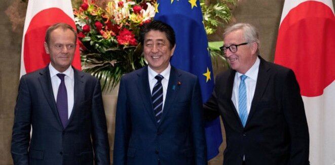 Donald Tusk, Shinzo Abe y Jean-Claude Juncker en Tokio, el 17 de julio de 2018. © Reuters