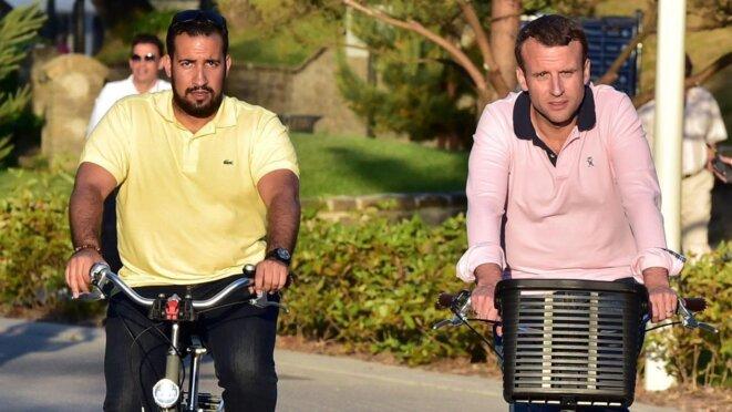 Alexandre Benalla et Emmanuel Macron font du vélo...