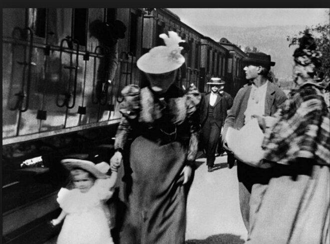 Extrait de l'entrée du train dans la gare de la Ciotat © DR
