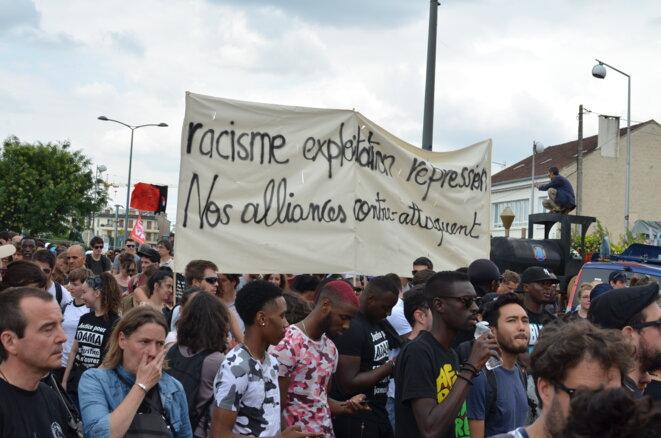 """A la """"Marche pour Adama"""", le 21 juillet 2018 à Beaumont-sur-Oise (Val d'Oise). © Justine Brabant"""
