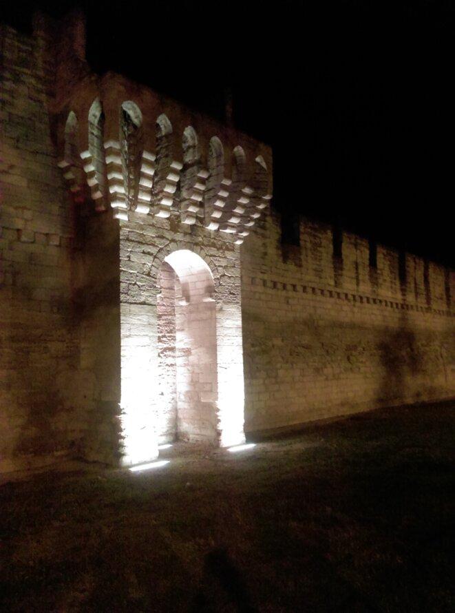 Aux portes d'Avignon © Claire Bonnefond