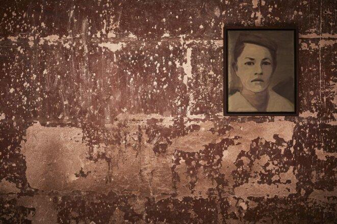 """Claire Tabouret, série """"L'errante"""", huile sur toile, Eglise des Célestins, Avignon, 2018 © Claire Tabouret"""