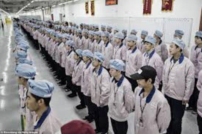 ouvriers-alignes