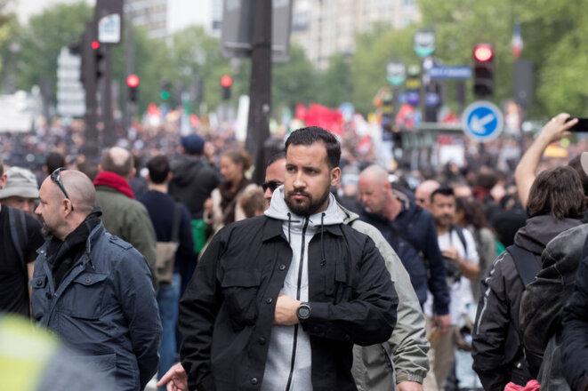 Vincent Crase (à gauche) avec Alexandre Benalla, le 1er mai 2018. © REUTERS/Philippe Wojazer