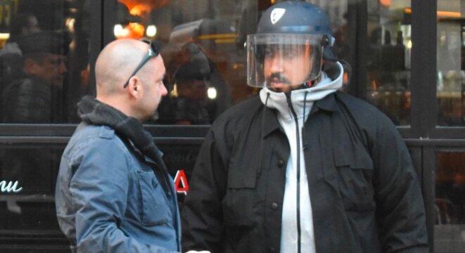 Vincent Crase et Alexandre Benalla le 1er mai à Paris. © Capture d'écran YouTube