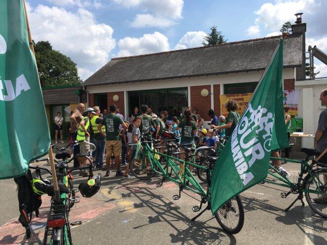 Arrivée du Tour Alternatiba à Langouët le 5 juillet 2018. © DM/Mediapart