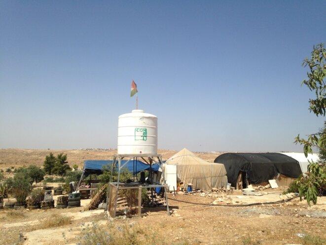Système de récupération d'eau de pluie financé par le gouvernement irlandais à Susiya, dans le sud de la Cisjordanie © C.D.