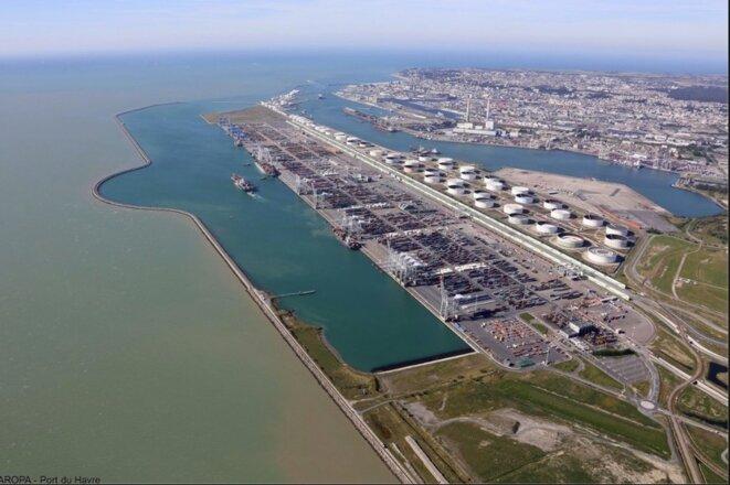 Port 2000, le port pour accueillir les porte-conteneurs géants au Havre. © Haropa/ port du havre