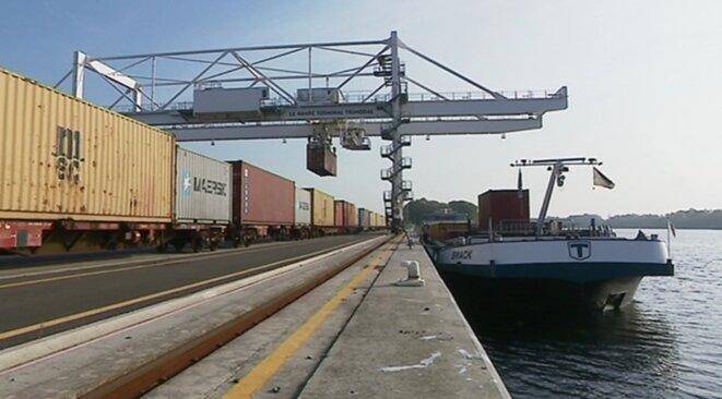 Acheminement des conteneurs au port du Havre. © FR3