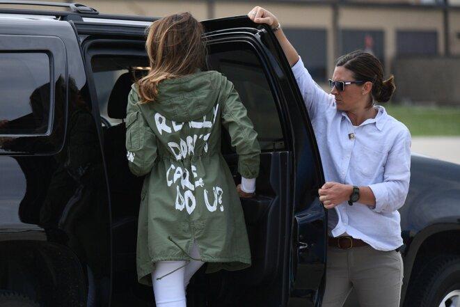 Melania Trump en visite officielle auprès des sans-papiers affiche qu'elle s'en fout  complètement «I really don't care»