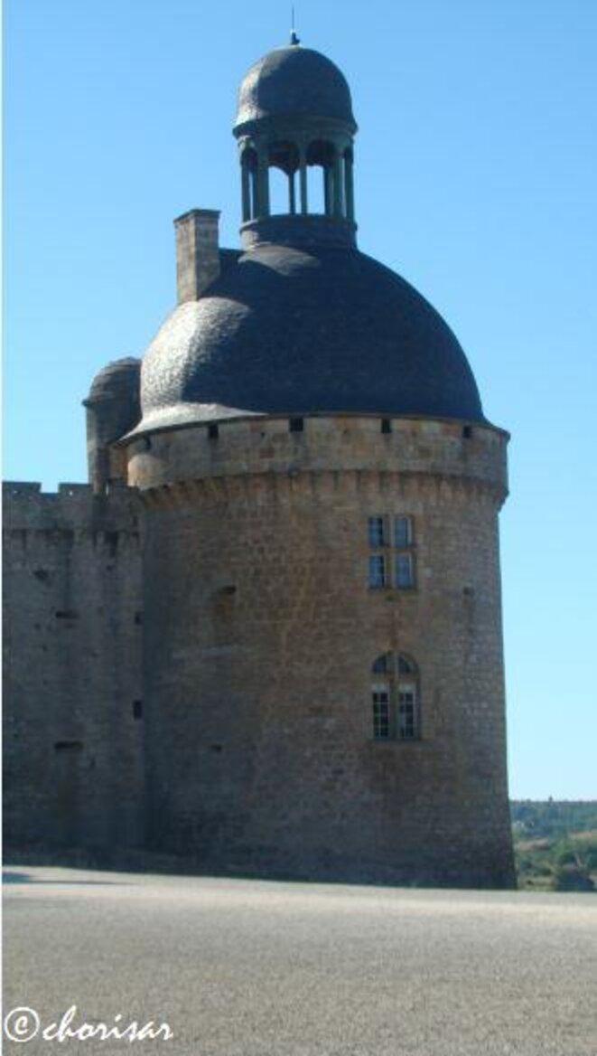 Le château de Hautefort © Chorisar