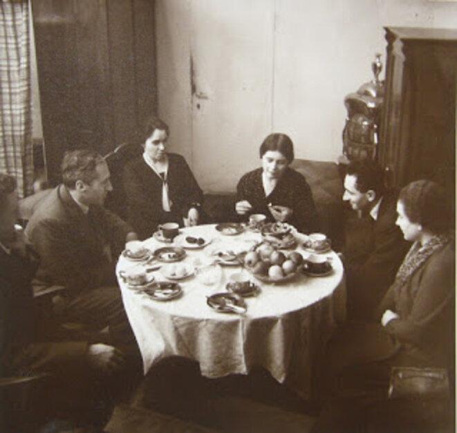 Une table ronde à la clinique pour enfants, 1933 © Photo fournie gracieusement par Maria Asperger-Felder