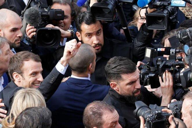 Mars 2017 à Villers-Cotterets (Aisne). Emmanuel Macron, flanqué d'Alexandre Benalla, visite la maison natale d'Alexandre Dumas. © Reuters