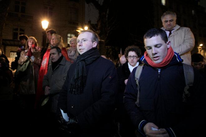 Le Belge Alain Escada (au centre), le 29 janvier 2013 devant l'Assemblée nationale à Paris, lors d'une manifestation contre le mariage pour tous. © Reuters/Gonzalo Fuentes