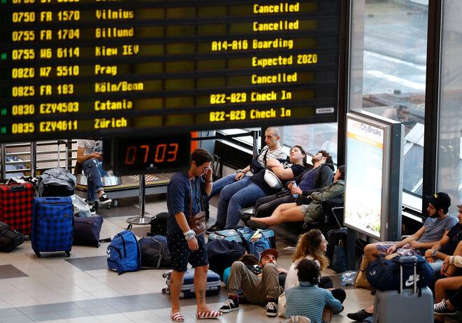 Pasajeros esperan su vuelo el día de la huelga europea de pilotos de Ryanair, Berlín, 10 de agosto de 2018. © Reuters