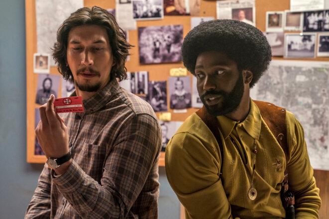 Adam Driver et John T. Washington dans «BlacKkKlansman –J'ai infiltré le Ku Klux Klan ». © Universal Pictures