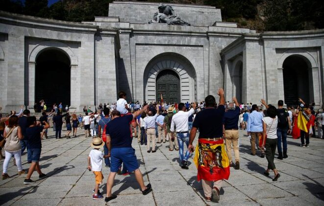 Une manifestation de nostalgiques de Franco, le 15 juillet, au « Valle de los Caidos ». © Reuters