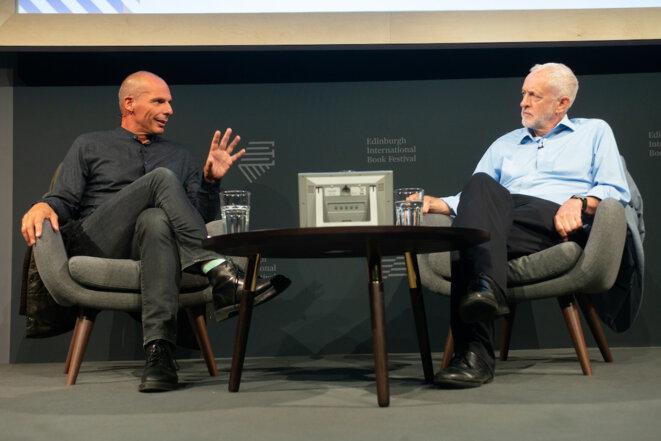 Yanis Varoufakis et Jeremy Corbyn le lundi 20 août à Édimbourg. © Alan McCredie/Edinburgh International Book Festival