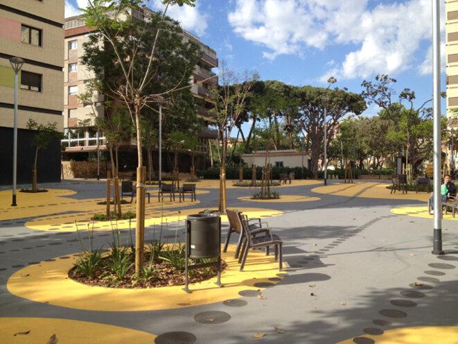 Nouvel espace piéton dans le quartier de Les Corts à Barcelone
