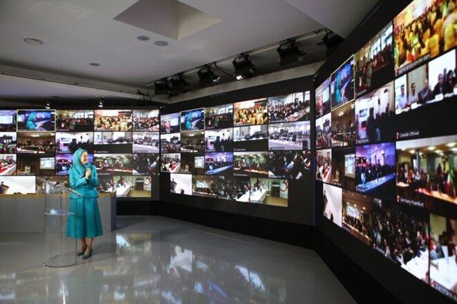 Les représentants de près de 250 associations iraniennes ont participé à cette conférence.