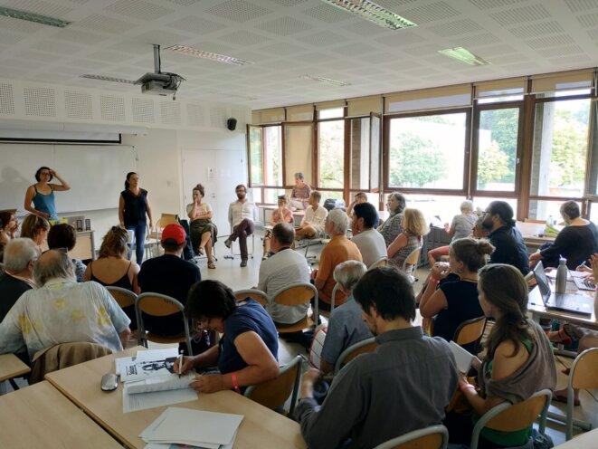 Atelier lors de l'université d'été : « Quels espaces d'engagement politique pour la jeunesse dans les mouvements sociaux aujourd'hui ? » © ATDQM