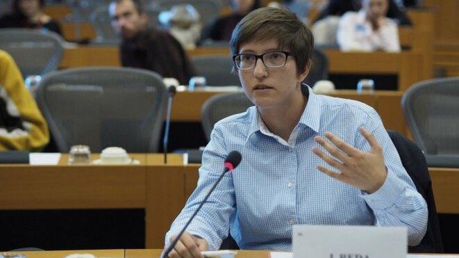 Julia Reda le 1er octobre 2015, lors d'une séance au Parlement européen à Bruxelles.