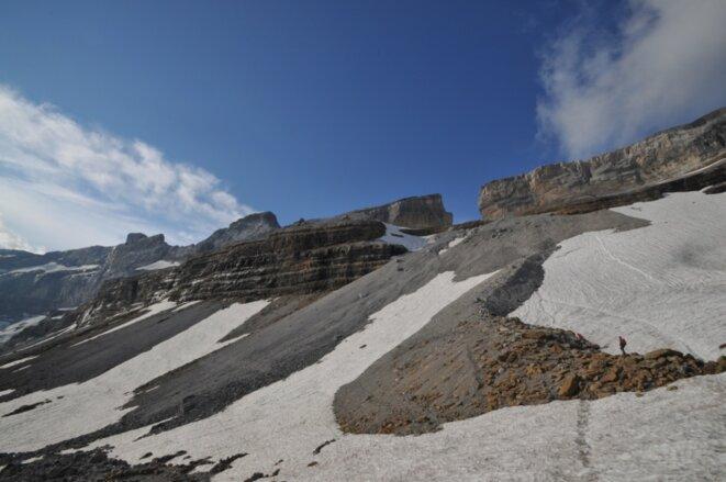 La brèche de Roland (2807 m), vue depuis le refuge des Sarradets (2587 m). © F.S.