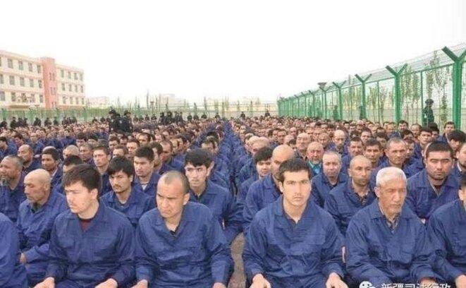 Hasil gambar untuk peuple ouïghour