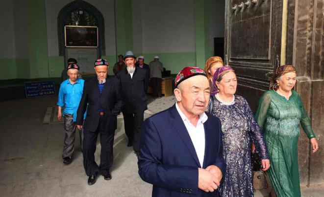 Les Ouïghours - un peuple turcophone partageant les caractéristiques culturelles, historiques et linguistiques similaires avec ceux de l'Asie centrale russophone.