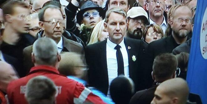 "L'ultra-nationaliste Bernd Höcke arborant la ""Rose Blanche""... © ScS Eurojournalist(e)"
