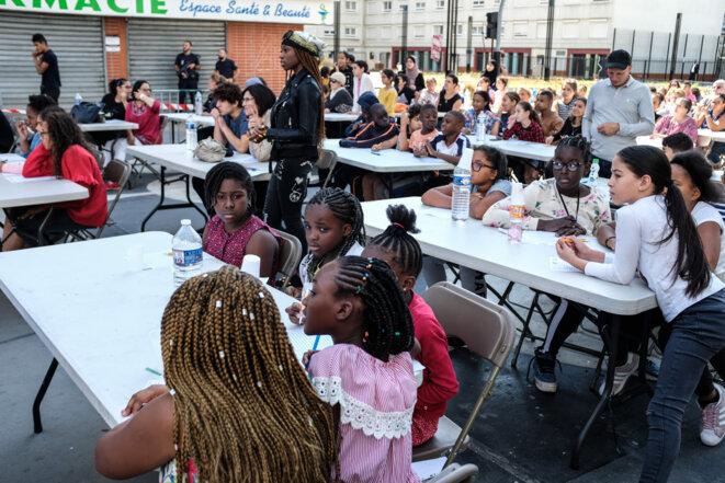 """La """"Dictée pour Tous"""" a rassemblé près de 400 participants le 1er septembre à Argenteuil. © FLORIAN DACHEUX"""