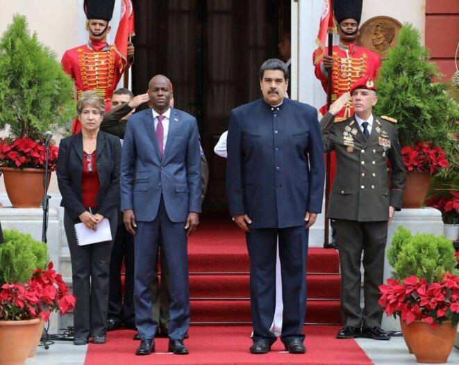 Les présidents Jovenel Moïse et Nicolas Maduro en novembre 2017 à Caracas. © DR
