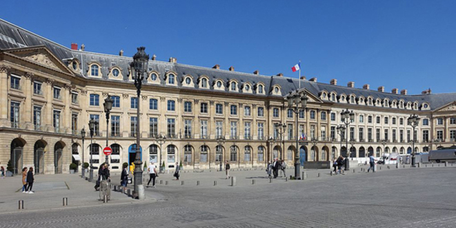 C'est ici que la relation entre le pouvoir et la société civile pourra être rétablie. © Guilhem Vellut from Paris, France / Wikimedia Commons / CC-BY 2.0