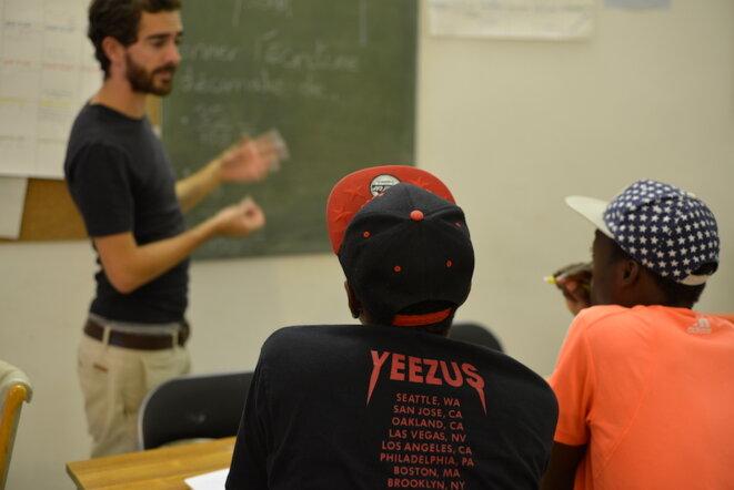 À Marseille, dans une association qui propose des cours à des mineurs étrangers. © LF