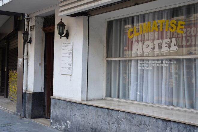 Un des hôtels marseillais où sont logés de jeunes mineurs étrangers, septembre 2018. © LF