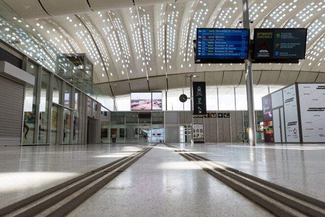 La nouvelle gare est surnommée la gare fantôme © Le d'Oc
