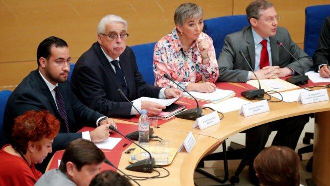 Alexandre Benalla, à gauche, devant la commission des lois du Sénat, mercredi 19 septembre 2018. © Reuters