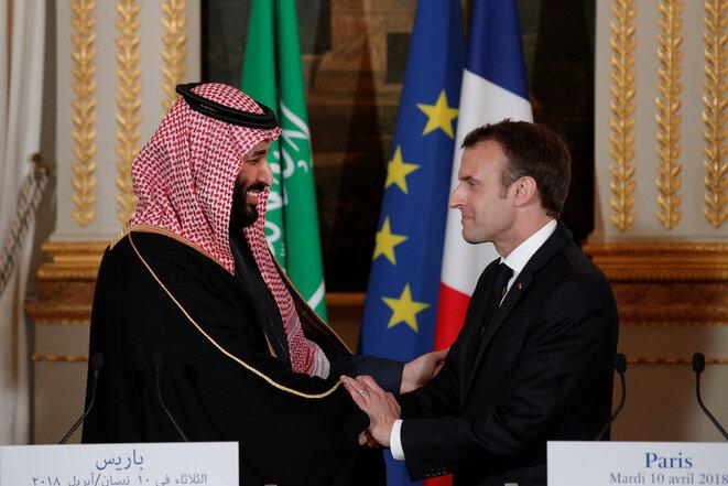Emmanuel Macron recibe al príncipe heredero Mohammed ben Salmane en el Palacio del Elíseo, el 10 de abril de 2018. © Reuters