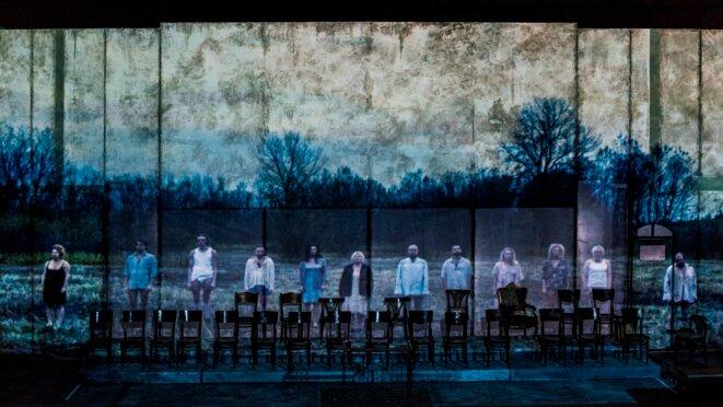 """la troupe de """"Procès"""" © Magda Hueckel"""