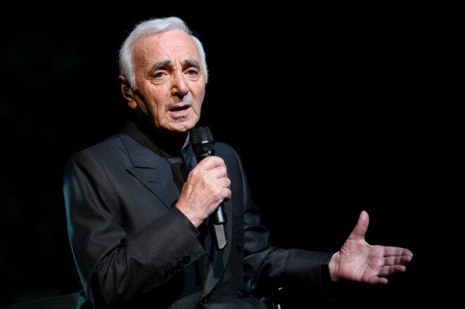 Le chanteur Charles Aznavour en septembre 2011 sur la scène de l'Olympia, à Paris Crédit : PIERRE VERDY / AFP