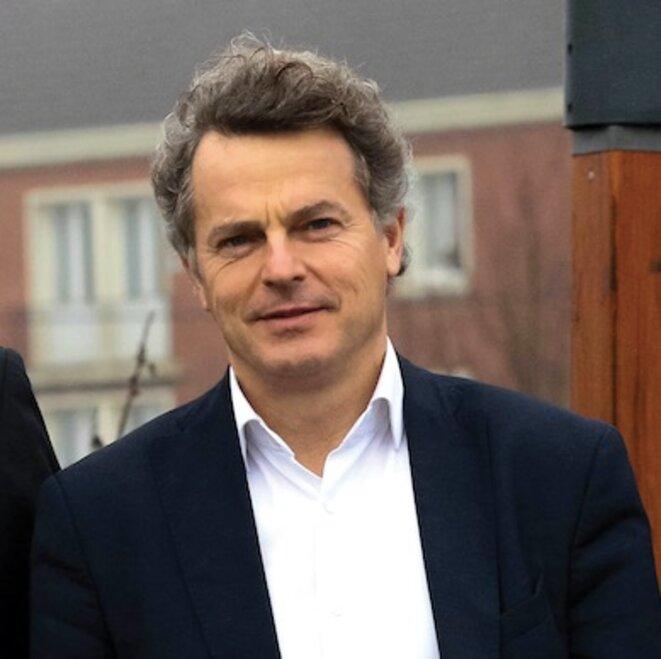 Fabien Roussel, l'un des hommes forts du prochain congrès PC © Affiche de campagne.