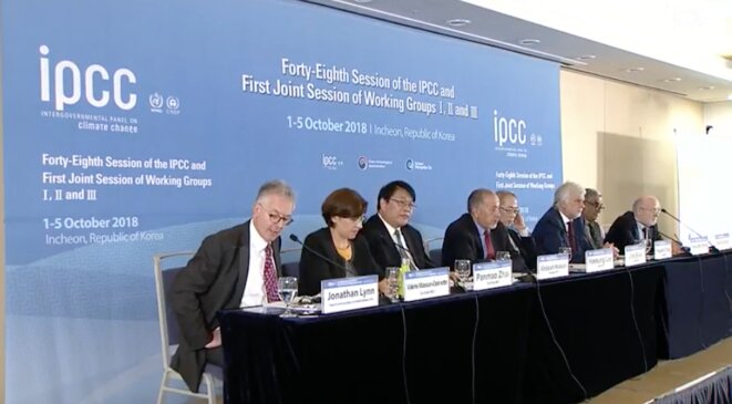 Conférence de presse du GIEC après l'adoption du rapport spécial, lundi 8 octobre. © GIEC