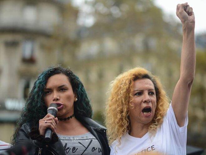 """Giovanna Rincon (à droite sur le cliché), lors de la marche blanche """"Justice pour Vanesa Campos"""", place de la République, 22 septembre 2018."""