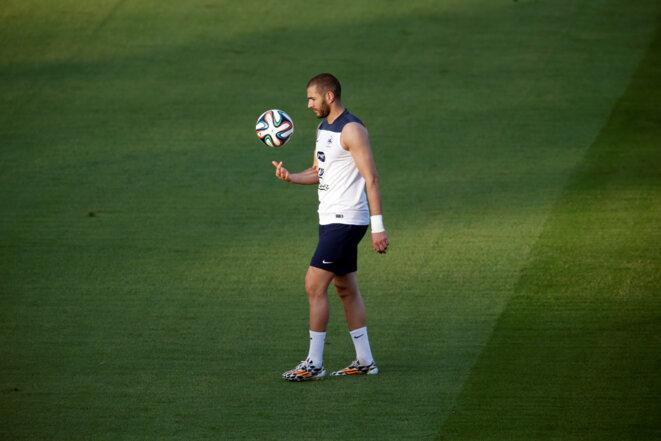 Karim Benzema lors d'un entraînement durant la Coupe du monde 2014 au Brésil. © REUTERS/Charles Platiau