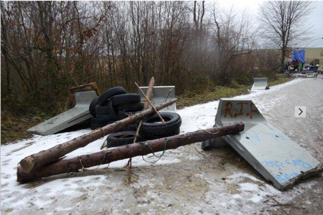 Une barricade dans le bois Lejuc, en janvier 2017 (JL).
