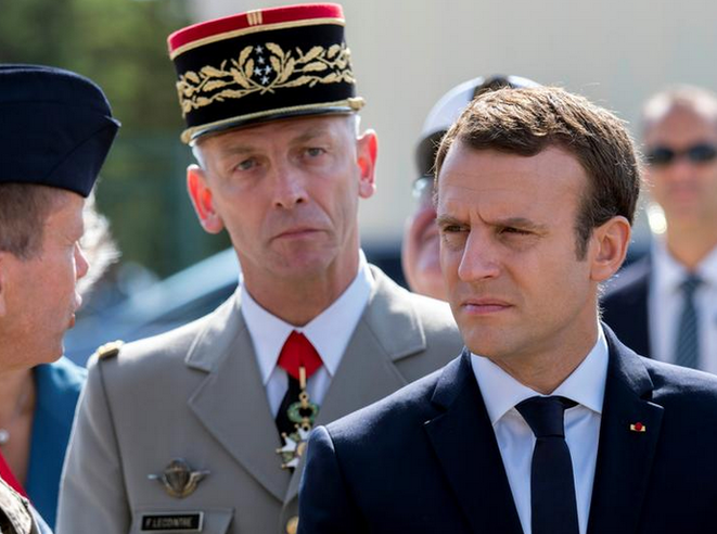 Emannuel Macron with General François Lecointre, chief of staff of France's armed forces, July 20th 2017. © Reuters