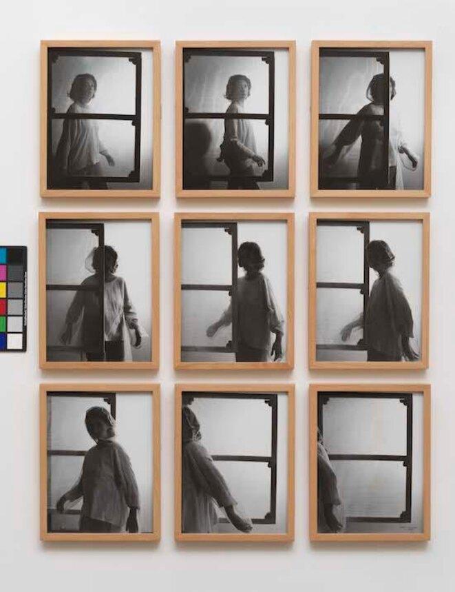 """Helena Almeida, """"Tela Habitada"""",série de 9 photographies, 1976, Tate Modern Londres © Helena Almeida"""