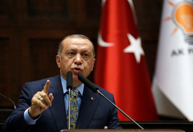 Recep Tayyip Erdogan lors d'un discours devant les parlementaires de son parti, l'AKP, le 23 octobre 2018 à Ankara. © Reuters/Tumay Berkin