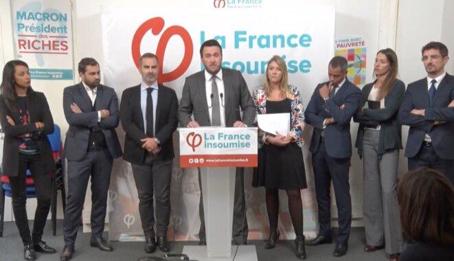 Les avocats en conférence de presse, ce jeudi, dans les locaux de LFI. © La France Insoumise