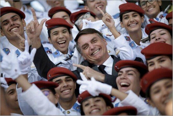 19 avril 2018. Le candidat Bolsonaro en visite à l'école militaire de Brasilia. © Ueslei Marcelino / Reuters